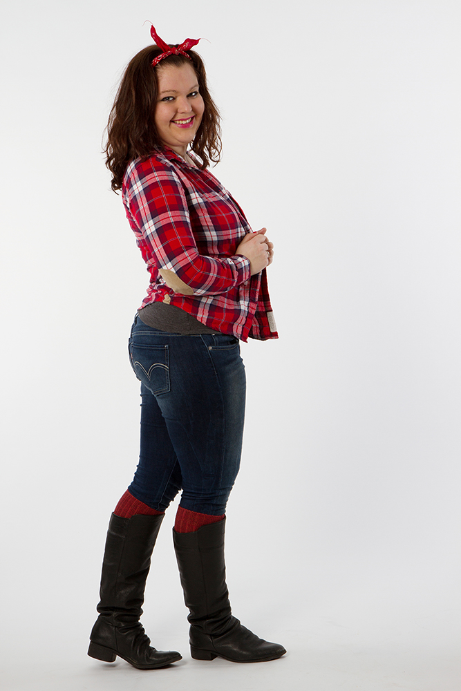 Laurelyn-Flannel- red-portraits
